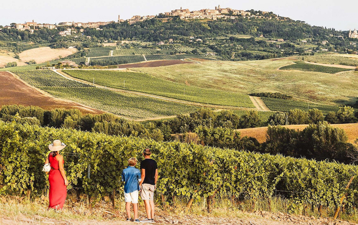 Tourist itinerary in Tuscany: hills and lowlands of Valdichiana Valley